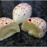 شکلات سفید با فیلینگ وانیل طبیعی